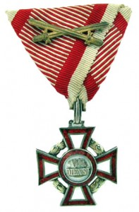 Military Merit Cross third Class with war decoration and swords (Authorized December 13, 1916-1918)