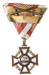 Military Merit Cross third Class with war decoration and swords and third award bar (Authorized March 14, 1918)