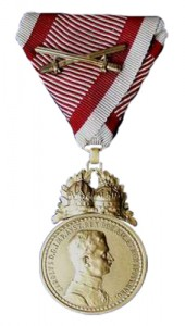 Figure 20: 1917 Bronze Military Merit Medal with swords. Image from author's archive