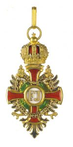 Figure 13: Imperial Austrian Franz Joseph Order badge with war decoration of a lower class. Image from the author's archive.