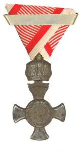 Figure 14: Iron Merit Cross with crown and second award bar. Image from the author's archive.