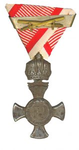 Figure 13: Iron Merit Cross with crown and swords second award bar. Image from the author's archive.