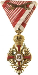 Figure 15: The Order of Franz Joseph, Knight badge with war decoration and swords. Image courtesy of Dorotheum.