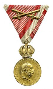 Figure 5: Bronze Military Merit Medal (Signum Laudis) wiht swords. Image from the author's archive.