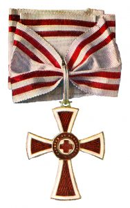 Figure 2: Red Cross Decoration , first class Image from the author's archive.