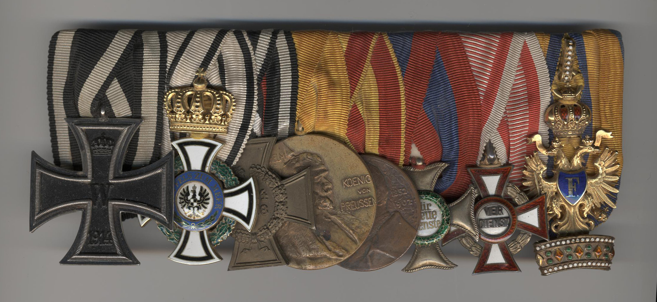 Img 1: The medal bar of Prince Schoenburg-Waldenburg
