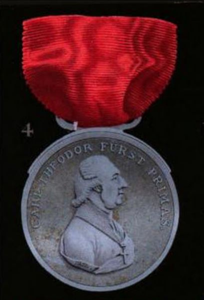 Fig 4 Honor Medal 1st type, avers