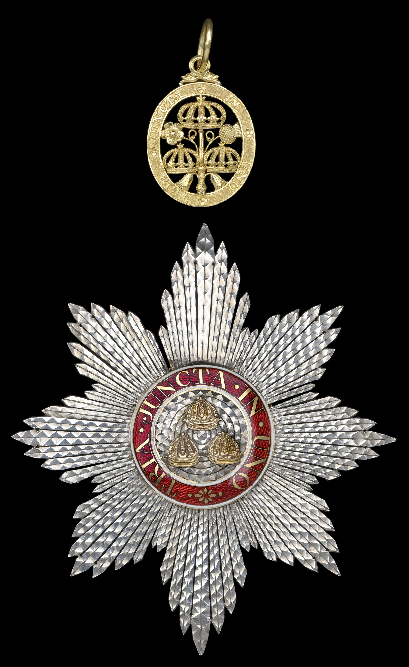 Figure 1 – Sash Badge & Star of the Knight Companion of the Bath (K.B.). Image courtesy of DNW