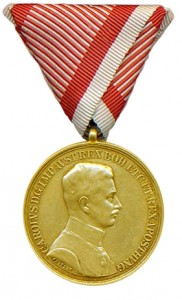 Figure 19: 1917 Gold Bravery Medal on war ribbon. Image from author's archive