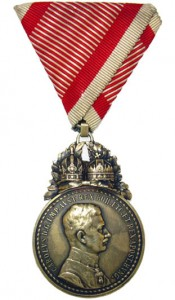 Figure 22: 1917 Great Military Merit Medal on war ribbon. Image from author's archive