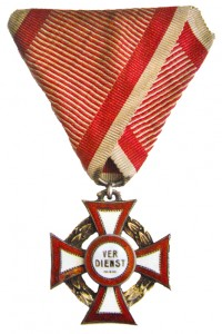 Figure 12: Military Merit Cross with war decoration, Type III. From author's archive
