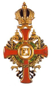 Figure 14: Imperial Austrian Franz Joseph Order officer cross with war decoration of a lower class. Image courtesy of Dorotheum
