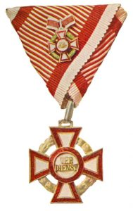 Figure 6: Second class kleiner with second class war decoration. Image from the author's archive