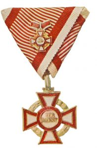 Figure 7: Second class kleiner with third class war decoration. Image from the author's archive