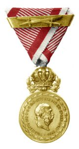 Figure 8: Franz Joseph Great Military Merit Medal, with swords and second award bar. Image from the author's archive.