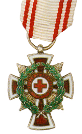 Figure 6: Red Cross Merit Star with war decoration miniature. Image from the author's archive.