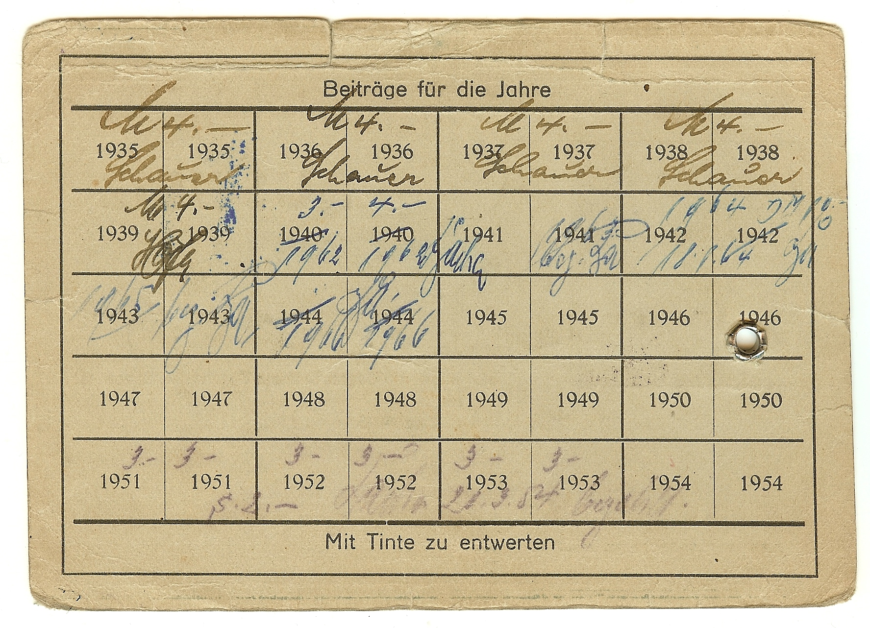 Figure 2-Reverse of the Orden der Bayerischen Tapferkeitsmedaille Ausweis showing that Adolf Fichtner paid his membership dues through 1953. Image from author's archive.